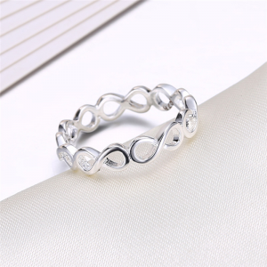 Annessa Silver Ladies Band, ladies ring, ladies rings online, stainless steel ring, fashion rings, afterpay rings, oxipay rings, laybuy rings, paypal rings, just rings online